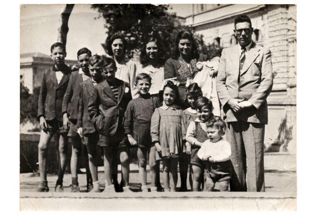 Genitori e figli nel 1947